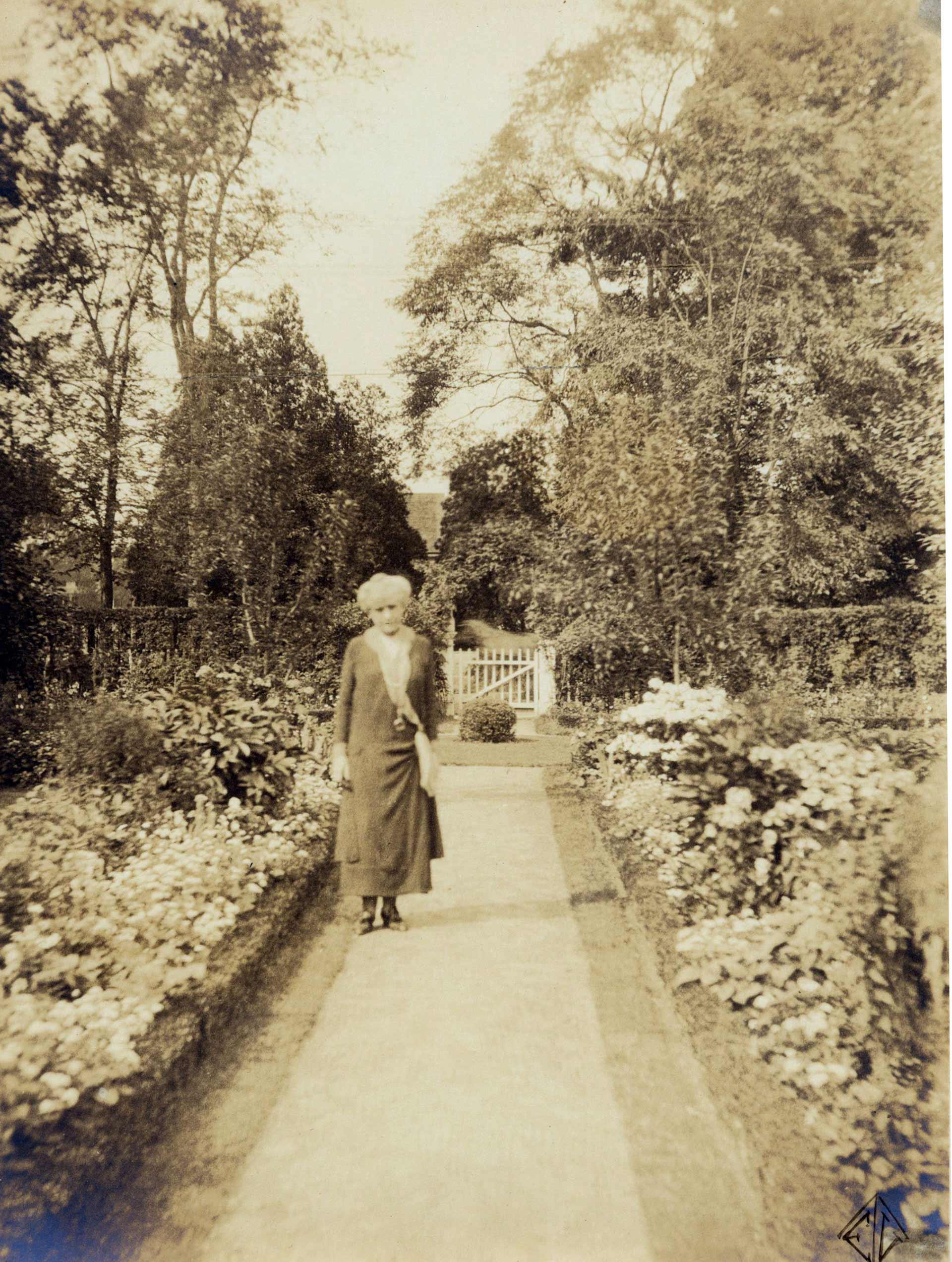 Photographs: Painted Gardens, Part 2—The Ludington Estate